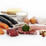 Alimenti da non consumare crudi spiegati in un video: quali sono?
